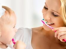 Навчання правильному чищенню і догляду за порожниною рота.