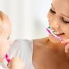 Обучение правильной чистке и уходу за полостью рта.